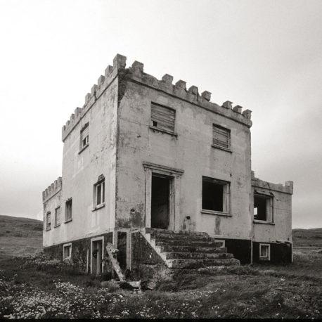 Eyðibýli á vestfjörður. A deserted farm in the west coast  of Iceland. Svart/hvítt