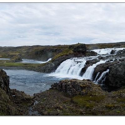 Myndin er tekin örlítið innar í Ófeigsfirði.