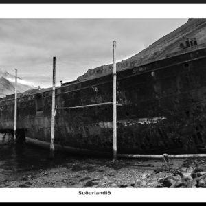 Skipið Suðurland við Djúpavík